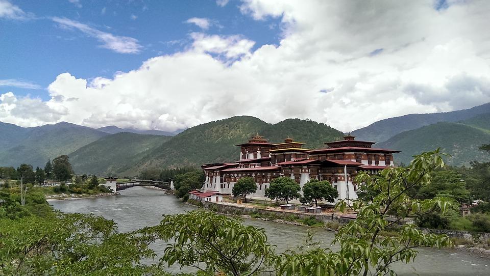 bhutan-2825919_960_720